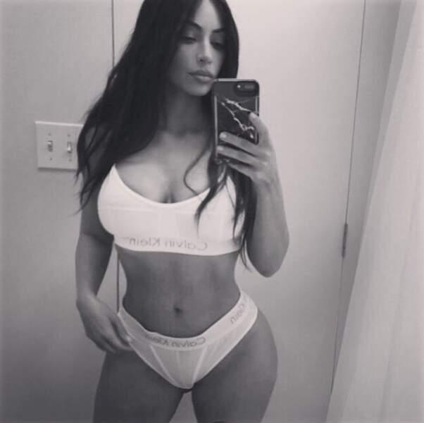 Mais Kim Kardashian a préféré un ensemble plus sportif.