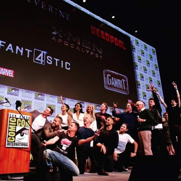 Et pour fêter ça, les héros MARVEL se mélangent pour une petite photo souvenir...