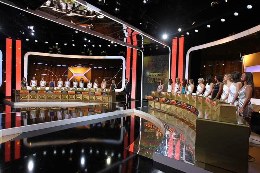 23 Miss servies sur un plateau