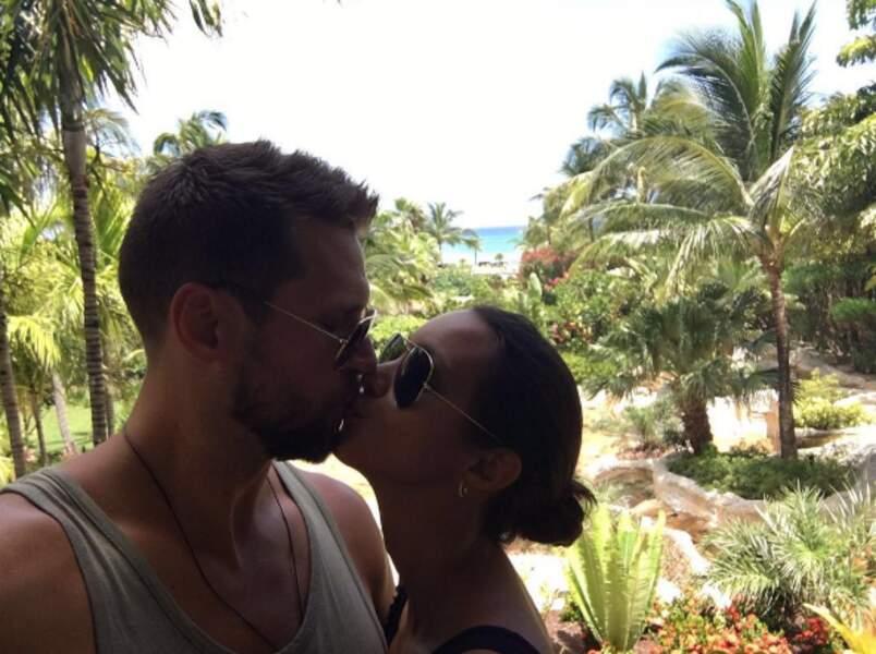 La top-model Lais Ribeiro était aux Bahamas avec son chéri.