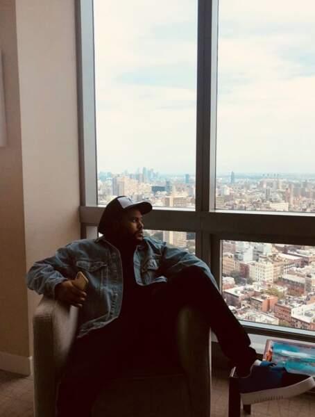 The Weeknd et sa pose lascive