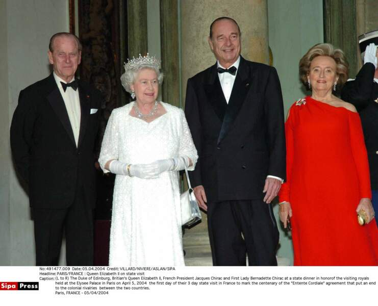 En avril 2004, le couple présidentiel reçoit les souverains britanniques