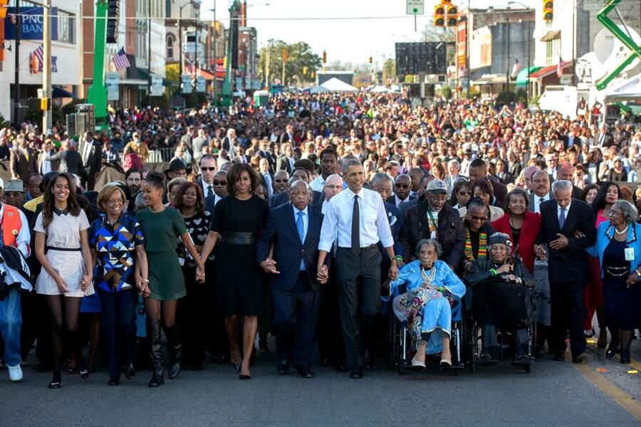 7 mars 2015 : les Obama rendent hommage à la marche de Selma, qui s'est déroulée 50 ans plus tôt