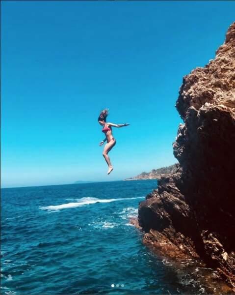 Laury Thilleman a fait le grand saut dans les eaux de Porquerolles