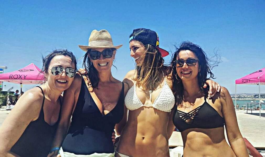 Laury Thilleman en vacances : jamais sans ses copines !