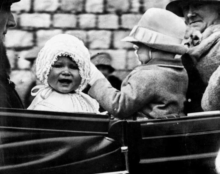 Au château de Windsor, tout le monde craque pour Elisabeth, 1 an