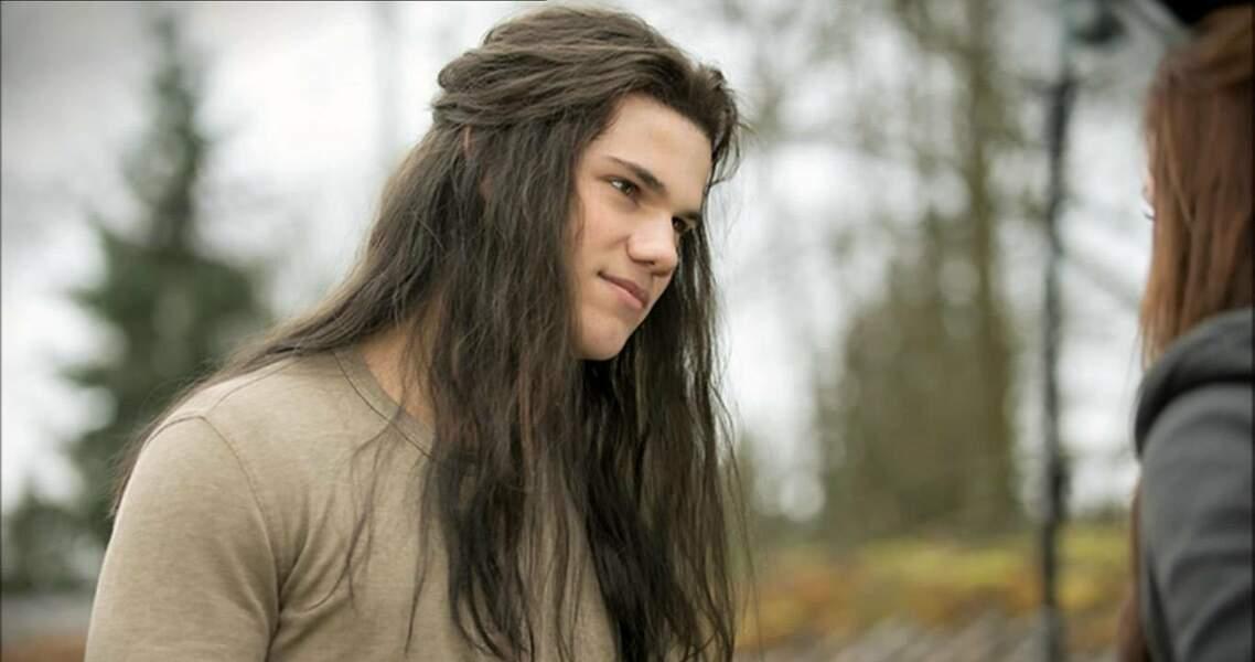 Taylor Lautner incarne Jacob Black, le meilleur ami du personnage interprété par Kristen Stewart
