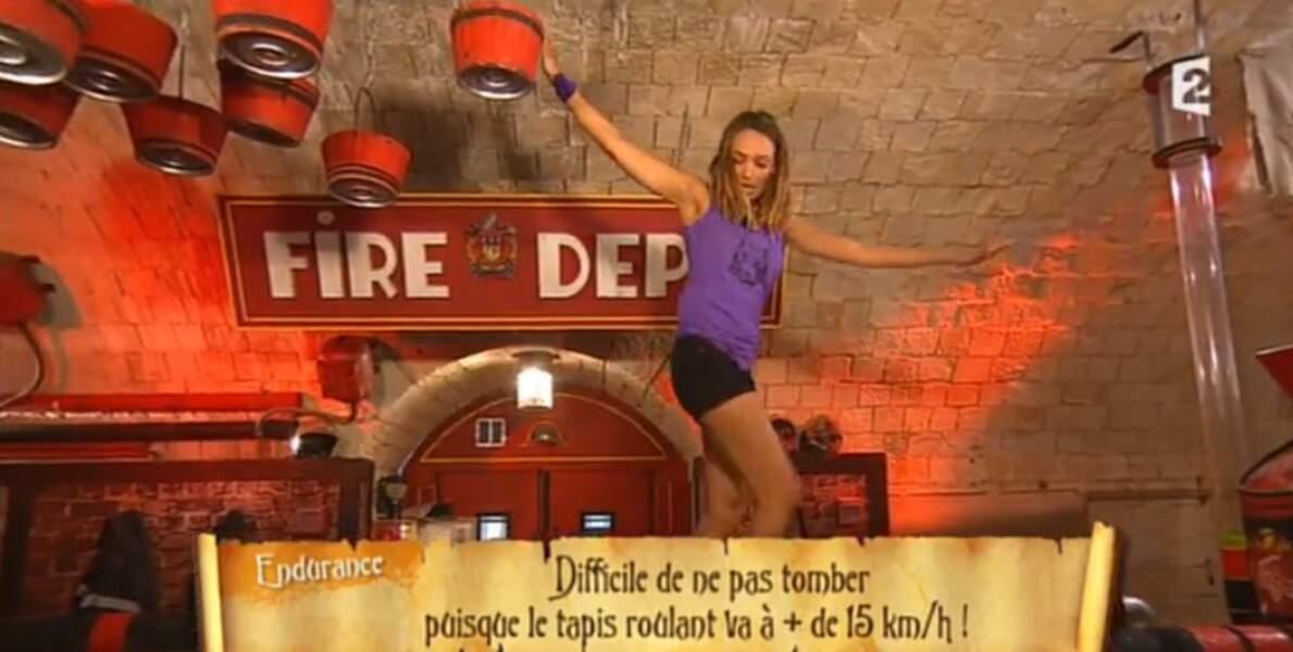 Non, Valérie Bègue, le principe de l'épreuve n'est pas de faire des poses sur le tapis roulant...
