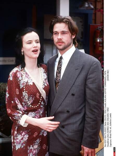 Le truc avec Brad Pitt, c'est qu'il n'a jamais su trop quoi faire avec ses cheveux...