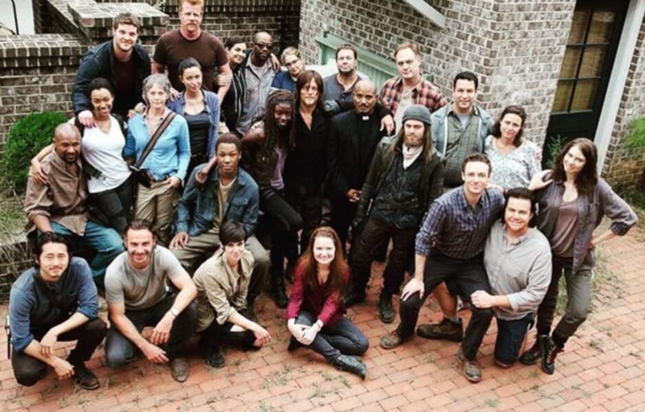 Tout le casting réuni pour une jolie photo de famille... 3, 2,1, ouistitiiiii !