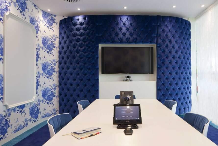 Les salles de conférence, dans les bureaux de Google à Londres, sont super trendy
