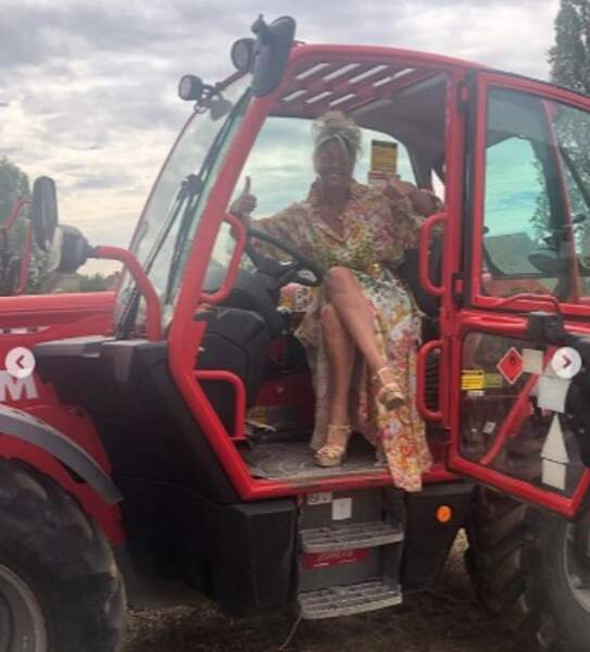 Puis test de tracteur pour Caroline Margeridon