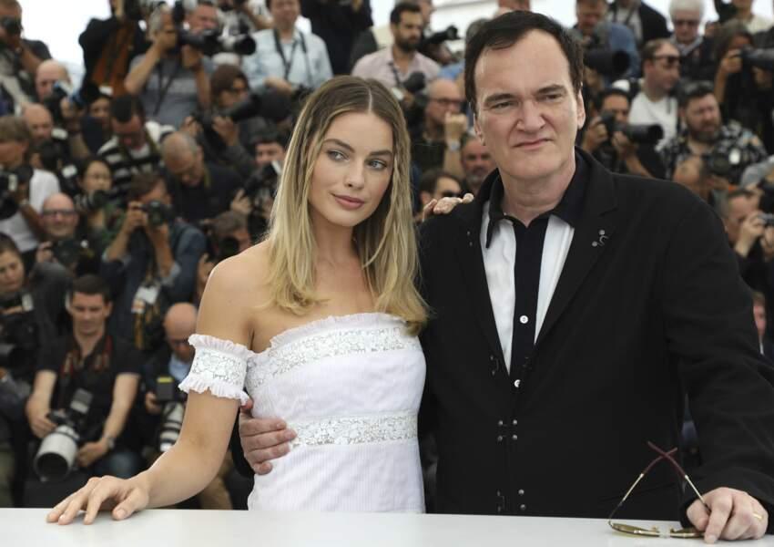 Le réalisateur Quentin Tarantino accompagné de la jeune actrice Margot Robbie