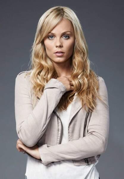 Elena dans Bitten (Laura Vandervoort) est la première femme loup-garou à tenir le rôle principal d'une série !