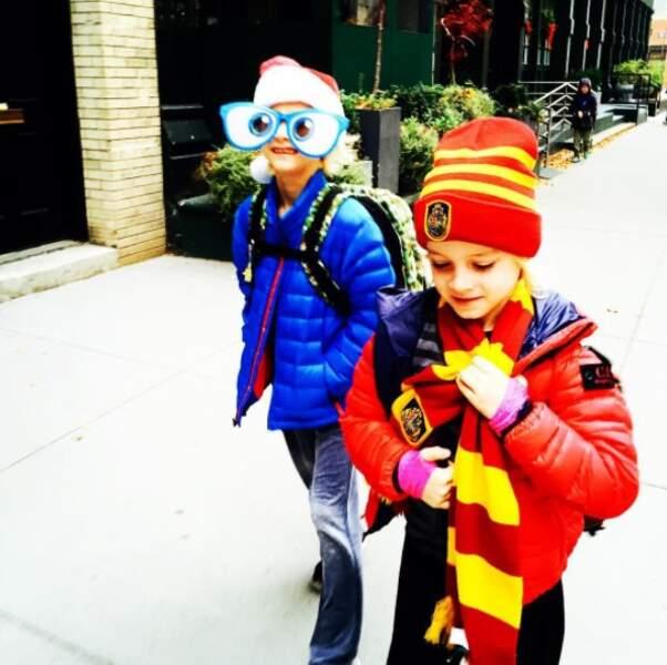 Fans jusqu'à s'habiller comme un petit sorcier Gryffondor !