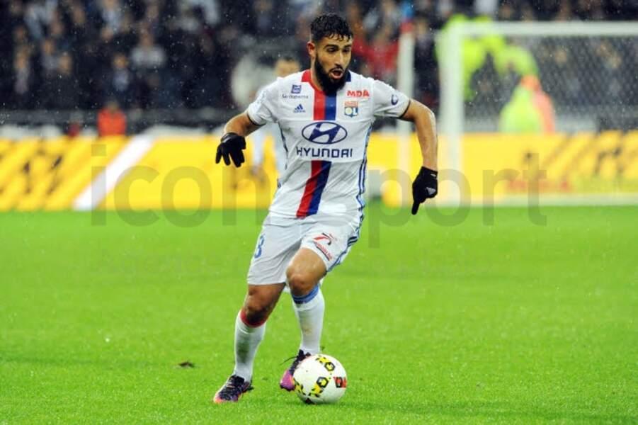 19. Emoluments de Nabil Fekir à Lyon : 300 000 euros bruts chaque mois.