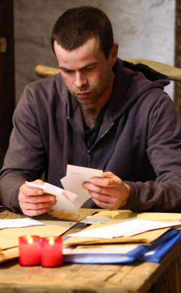 Nicolas ne sait plus quoi faire de toutes ses lettres. Lesquelles choisir ?