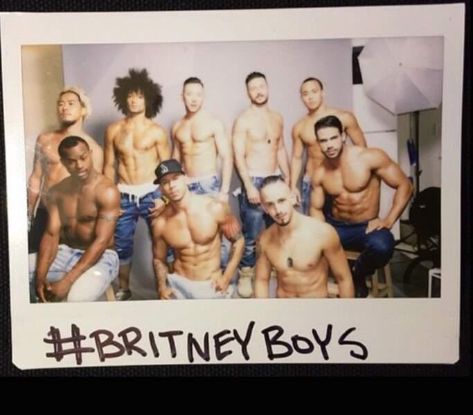 Mais la seule vue des danseurs de Britney devrait leur faire oublier la douleur... non ?