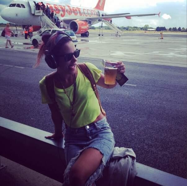 Et Lily Allen qui boit de la bière au petit-déjeuner