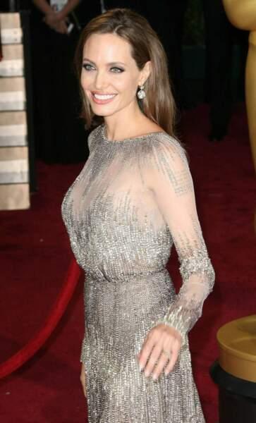 Angelina Jolie, superbe en dentelle aux Oscars 2014