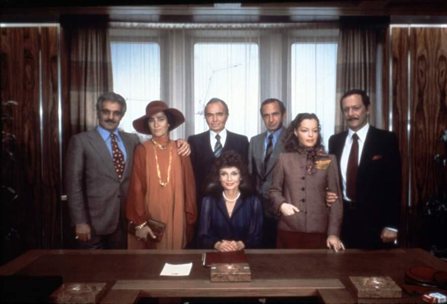 """Entourée de grands acteurs internationaux dont Romy Schneider dans """"Liés par le sang"""" (1979)"""