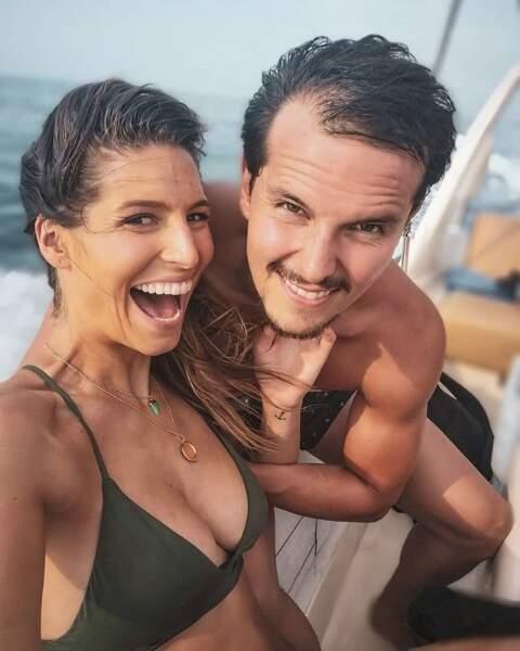 La Miss France 2011 passe du bon temps sur un voilier avec son compagnon, le chef Juan Arbelaez...