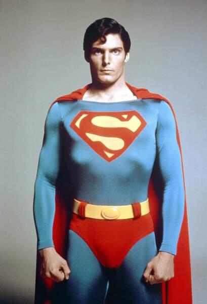 """Le """"S"""" est porté plus haut, le slip est descendu un peu. La mode change, Superman aussi."""