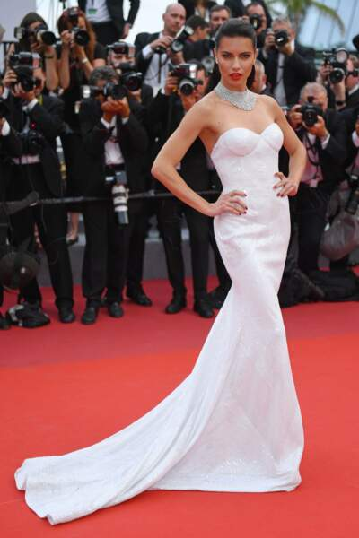 Adriana Lima : quelle beauté ! Comme toujours
