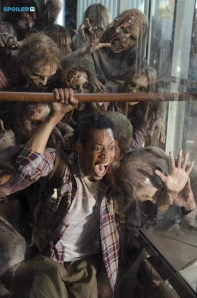 Le gentil Noah (Tyler James Williams) meurt dans d'atroces souffrances en saison 5