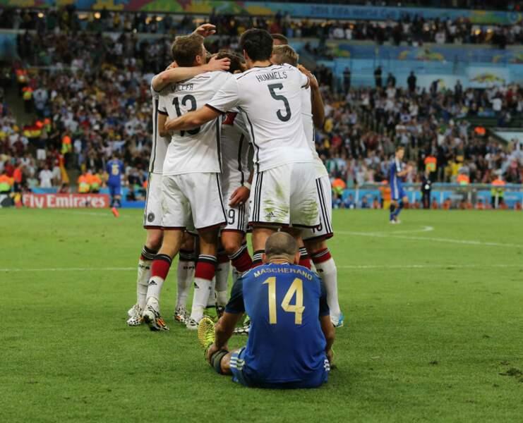 Le câlin des Allemands, la détresse des Argentins