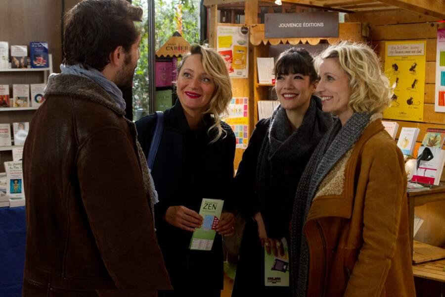 Avec ses copines Alexandra Lamy et Julie Ferrier dans Jamais le premier soir (2014)