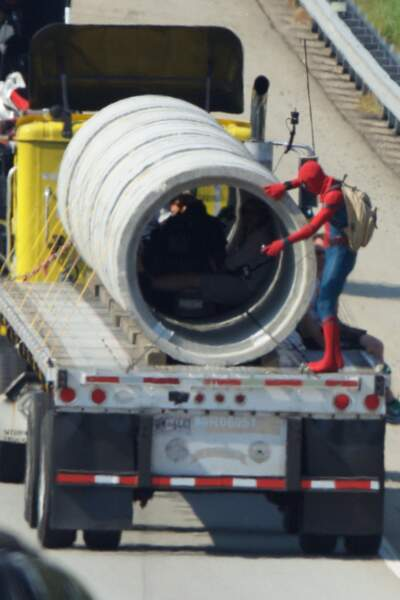 Sur le tournage du film Spider-Man : Homecoming l'acteur a fait quelques cascades