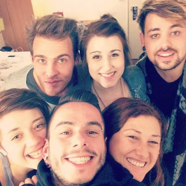 Selfie groupé pour Elodie, Charlie, Caroline Savoie, Maximilien, Lioan et Emma Shaka