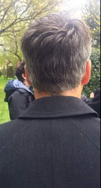 Il fait de même pour... l'inspecteur Lestrade !