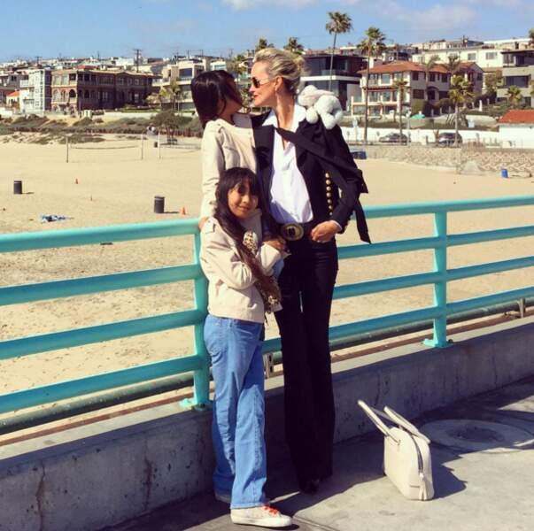 Et Laeticia Hallyday avec ses filles.