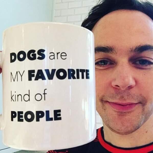 Un vrai régal pour les yeux si, comme Jim Parsons, vous préférez votre entourage canin à humain.