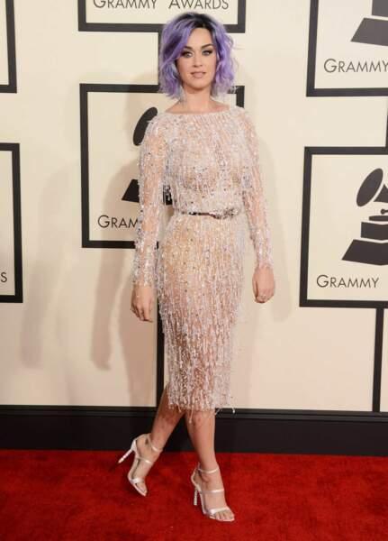 Katy Perry et sa robe ultra bright. De face...