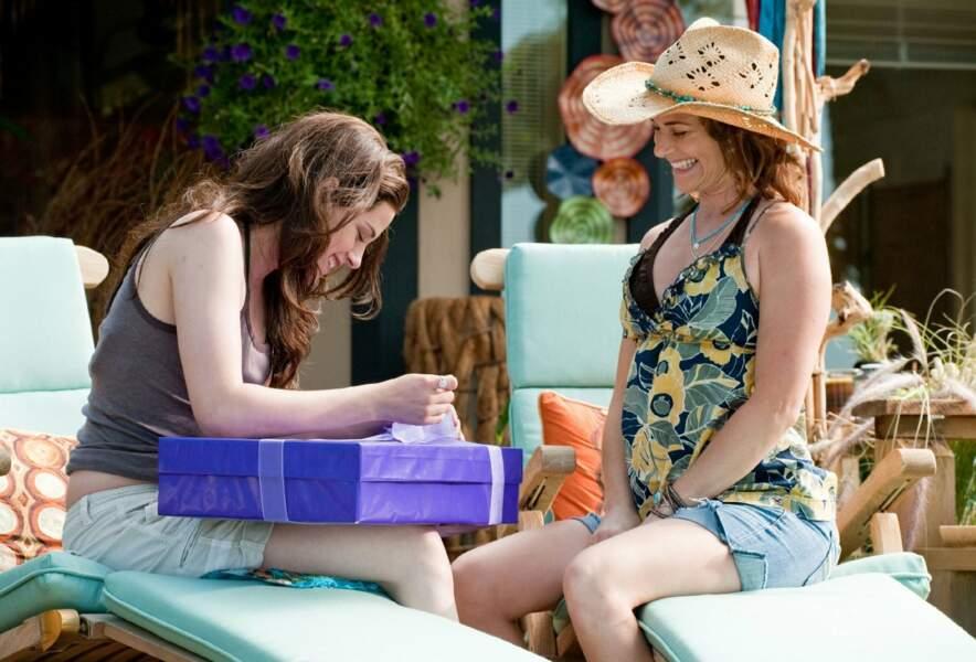 Sarah Clarke est Renée Dwyer, la mère de Bella et femme de Charlie