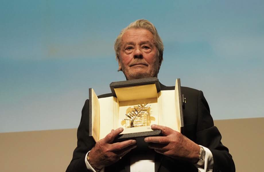 Alain Delon présente sa Palme d'honneur