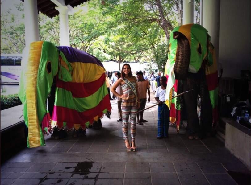 Marine Lorphelin s'est fait de nouveaux amis au Sri Lanka : des éléphants