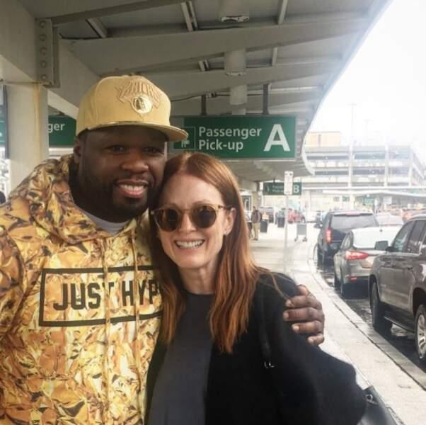 ... avant de croiser Julianne Moore à l'aéroport à New York.