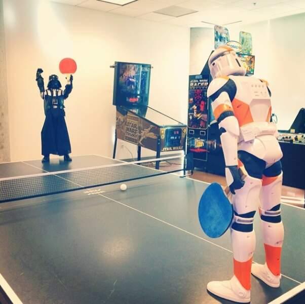 Règle n°1 : toujours laisser Dark Vador gagner... même au ping-pong !