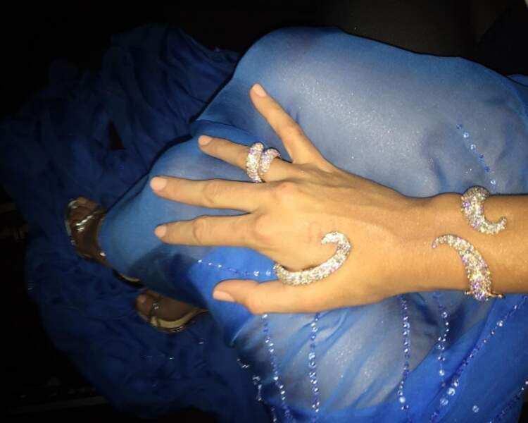 Blake Lively, nous fait encore baver avec ses beaux bijoux...
