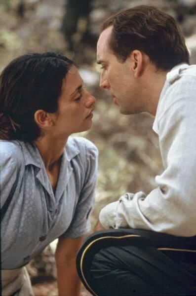 En 2001, elle donne la réplique à Nicolas Cage dans Capitaine Corelli de John Madden