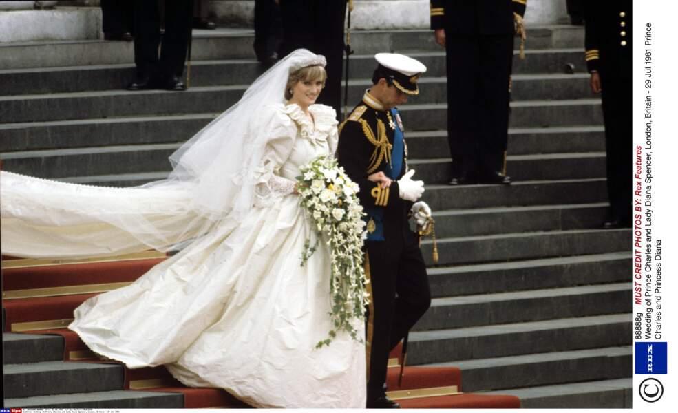 La plus belle robe de mariée du monde créée dans le plus grand secret par Elizabeth et David Emanuel