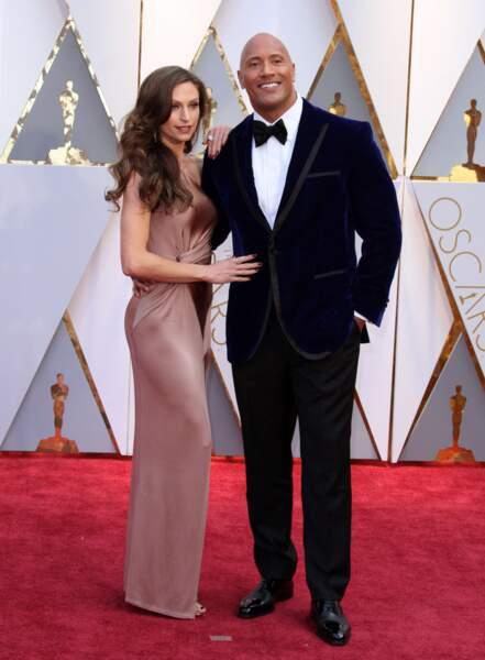 Le remettant Dwayne Johnson, et sa compagne Lauren Hashian