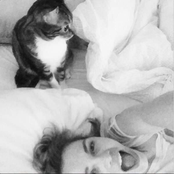 Joy Ester et son chat, une grande histoire d'amour !