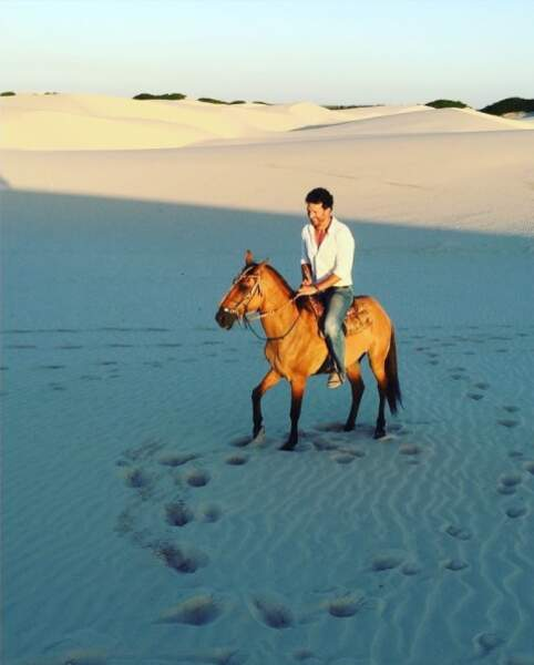 Son compagnon, Boris Ehrgott, profite d'une balade à cheval