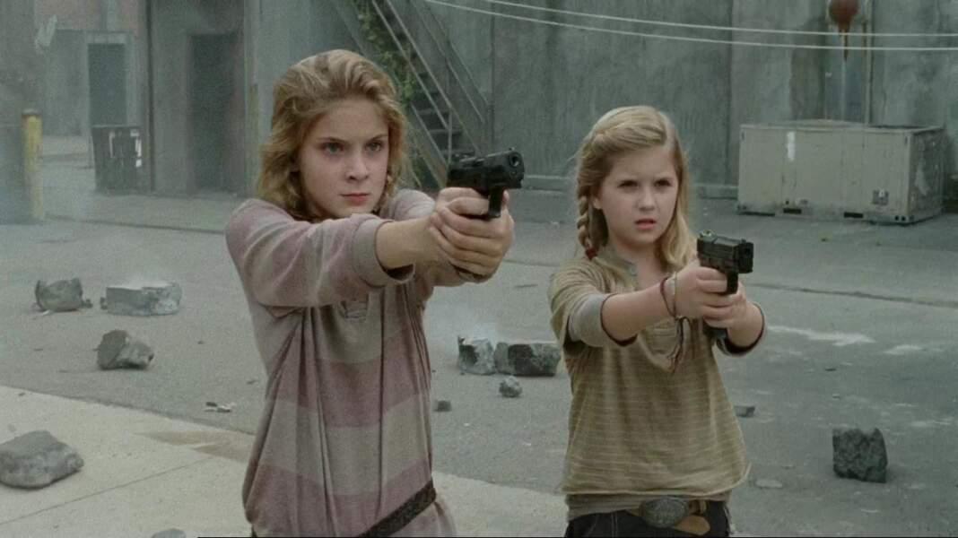 Elles étaient toute mimi, mais Lizzie et Mika nous ont quitté d'une manière effroyable en saison 4