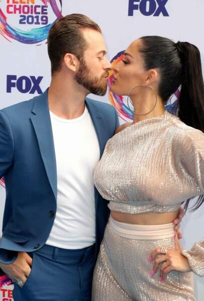 Nikki Bella et son compagnon, danseur de Dancing With the Stars, ont affiché leur amour au grand jour